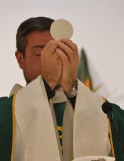 ¿Por qué las mujeres no pueden ser sacerdotes?