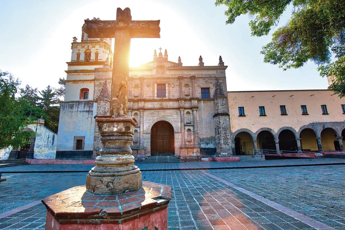 El que antes era el atrio de San Juan Bautista, ahora forma parte del Jardín Centenario.