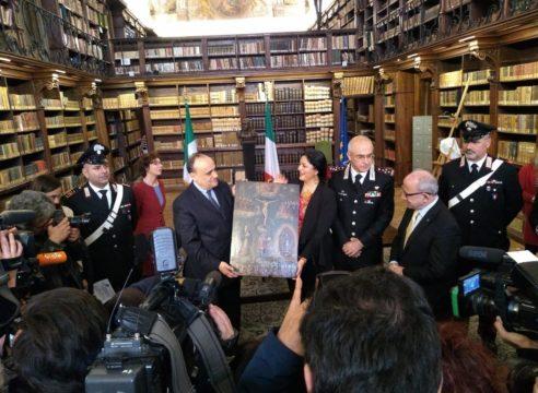 Italia devuelve a México 594 pinturas robadas