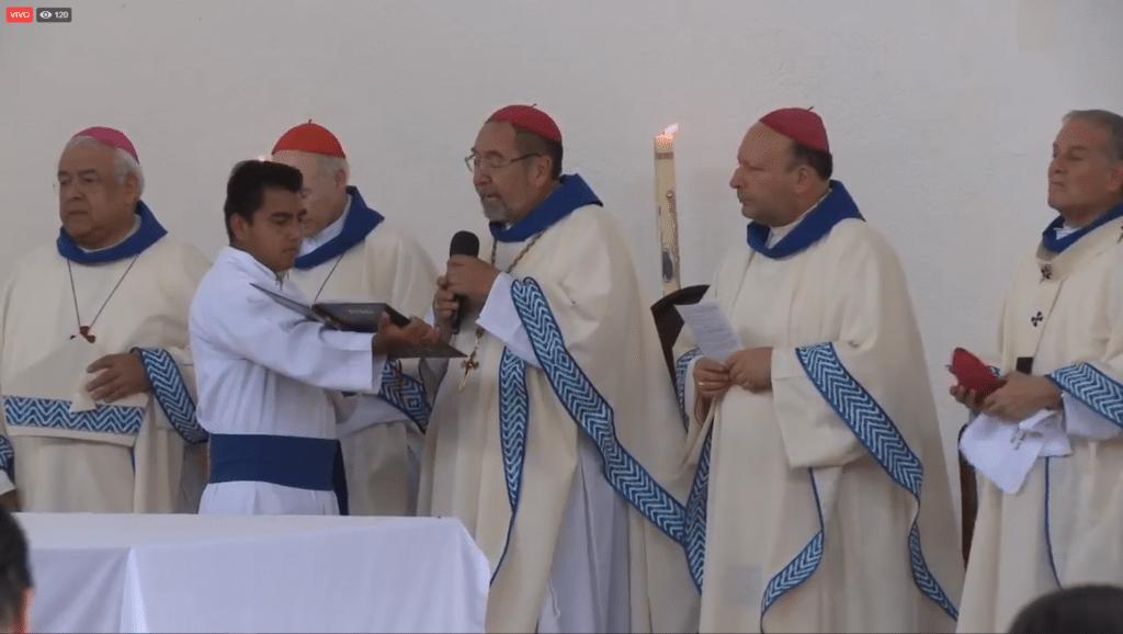 Mons. Armando Colín