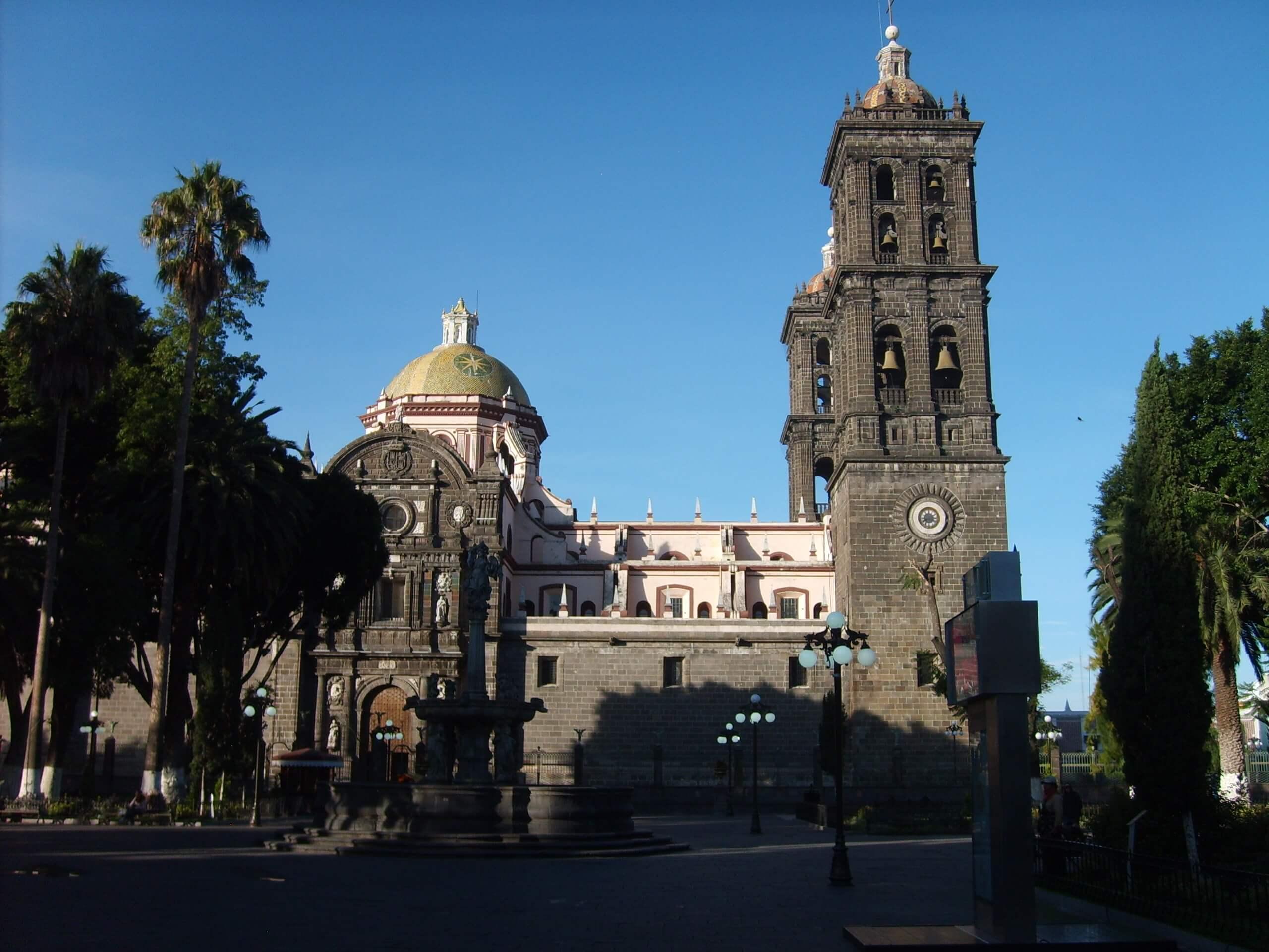 La Catedral de Puebla ocupa el quinto lugar de la lista de las catedrales más altas de México. Foto: Archivo