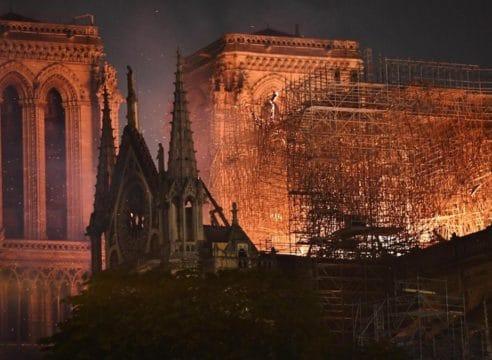 A salvo, fachada y torres de Notre Dame: presidente de Francia