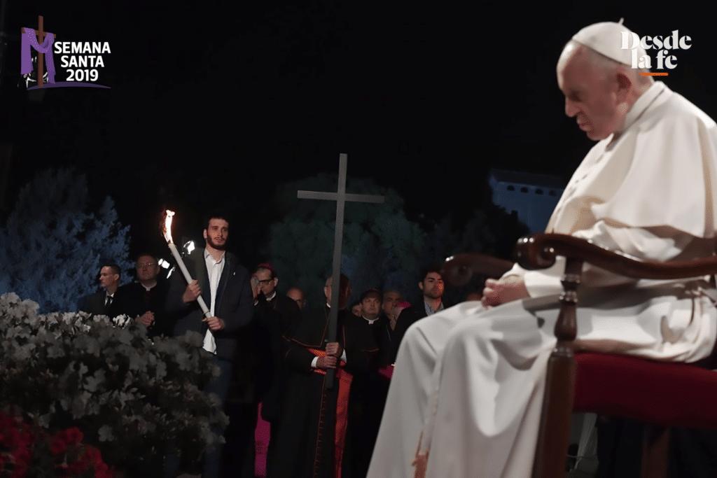 Papa Francisco en el Coliseo Romano. Foto: Vatican Media.