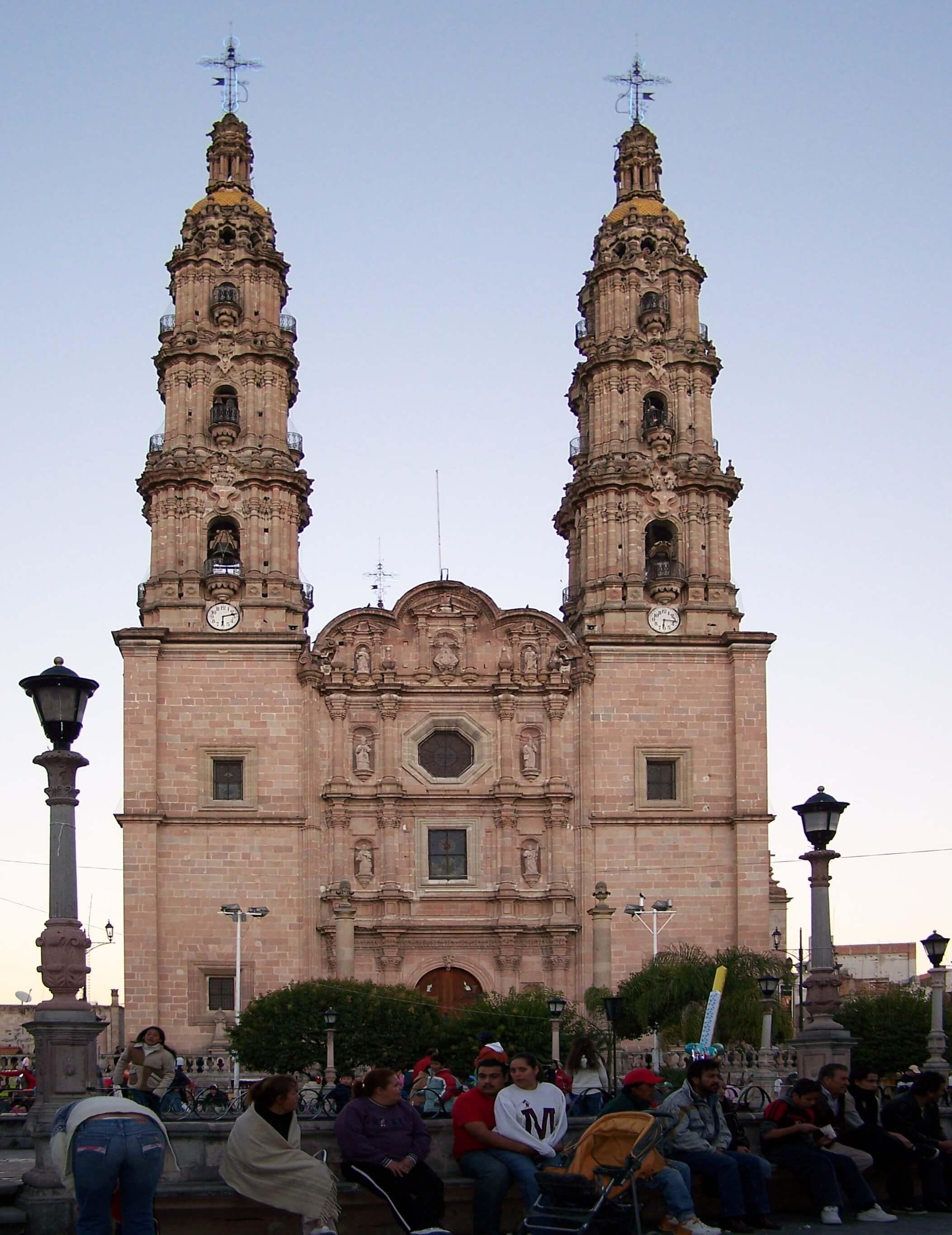 La Catedral de San Juan de los Lagos recibe más de 5 millones de visitantes al año. Foto: Archivo