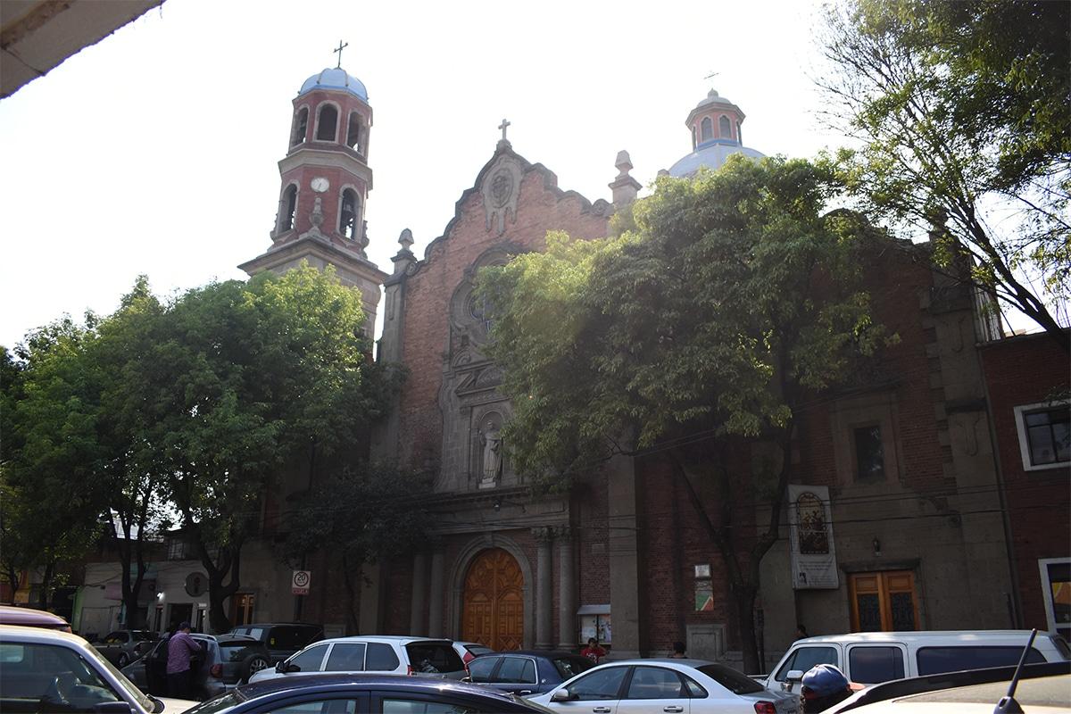 Fachada de la parroquia de San Vicente Ferrer. Foto: Ricardo Sánchez