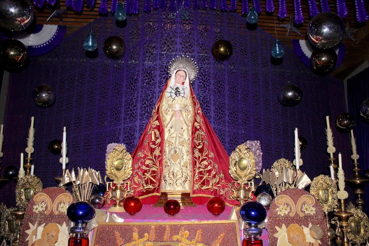 El Altar de Dolores se coloca para consolar y acompañar a la Virgen María en sus 7 dolores. Foto: Basílica de Guadalupe