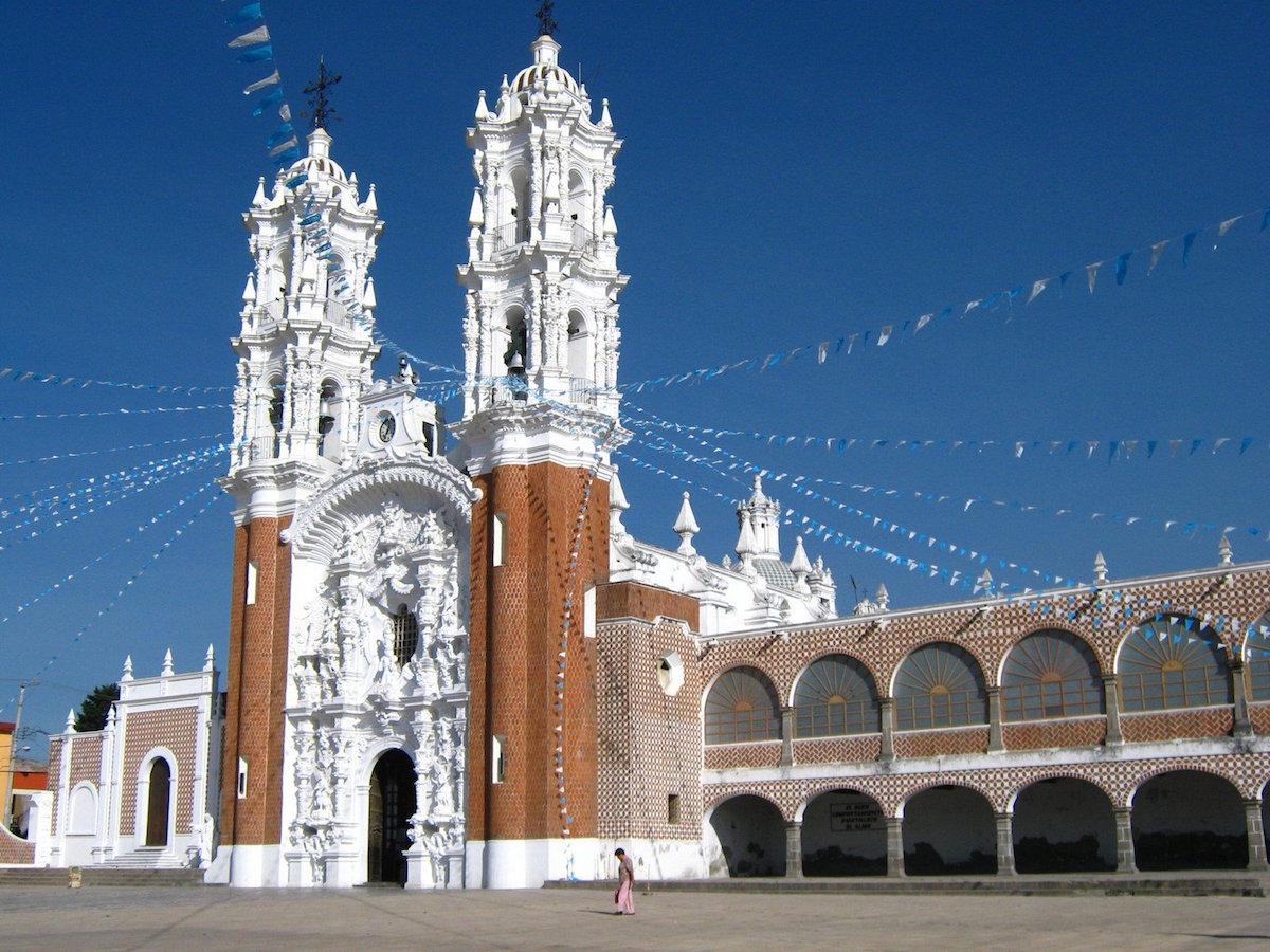 La Basílica de la Virgen de Ocotlán es uno de los santuarios que se encuentra a menos de 3 horas de la Ciudad de México.