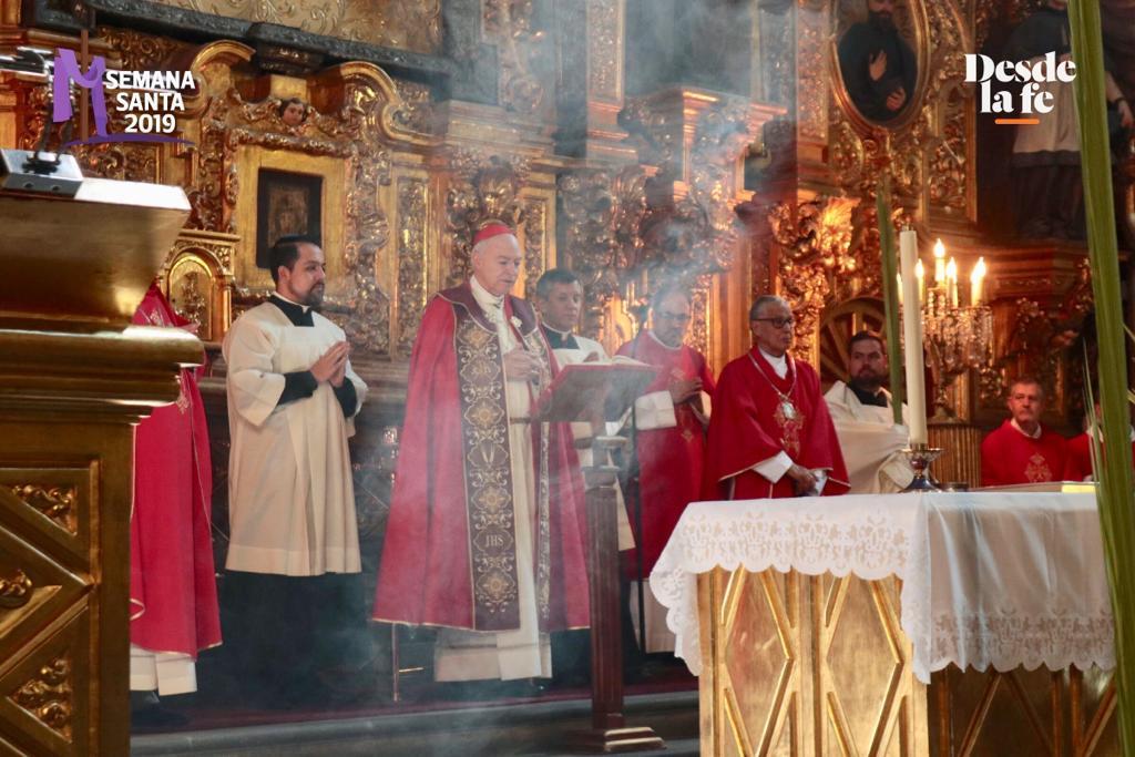 El Cardenal Carlos Aguiar Retes presidió la Misa de Domingo de Ramos en la Catedral de México. Foto: Ricardo Morales