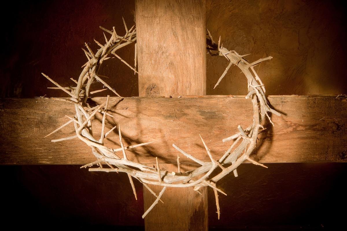 La cruz y la corona de espinas son dos de la reliquias de la pasión más conocidas.