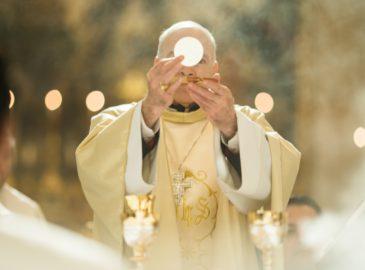 Homilía del Cardenal Carlos Aguiar en la Misa Crismal del Jueves Santo