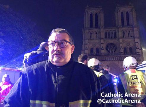 El sacerdote héroe que salvó al Santísimo del incendio en Notre Dame