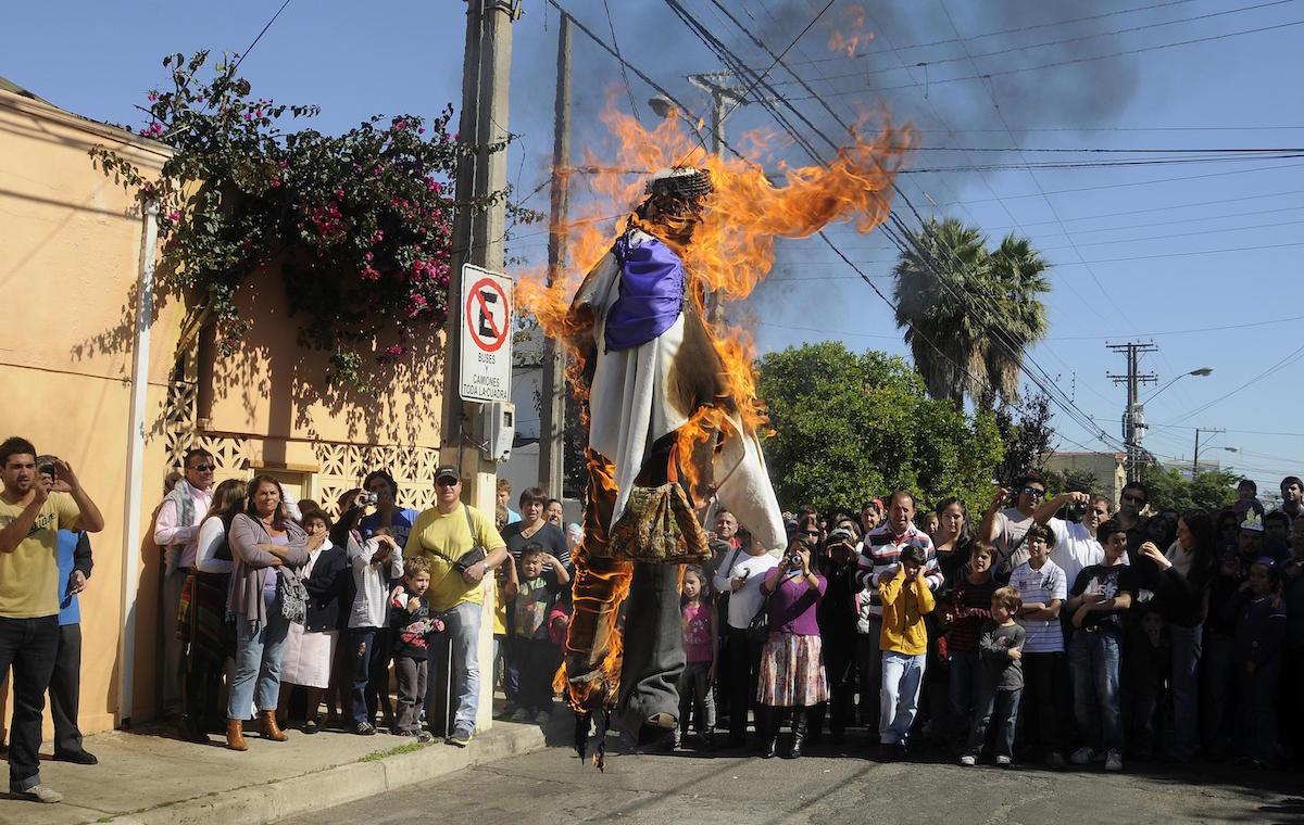 La quema de Judas ya casi no se realiza en México. Foto: Especial