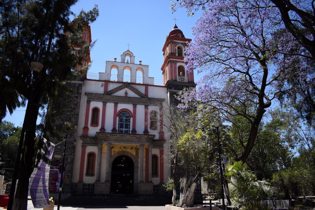Exterior de la iglesia del Señor de la Cuevita. Foto: Ricardo Sánchez