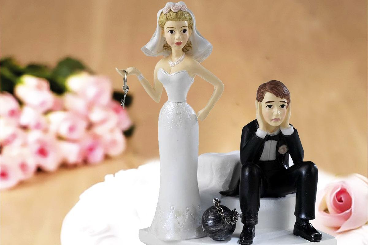 El Tribunal Eclesiástico decide si otorgar la nulidad matrimonial.