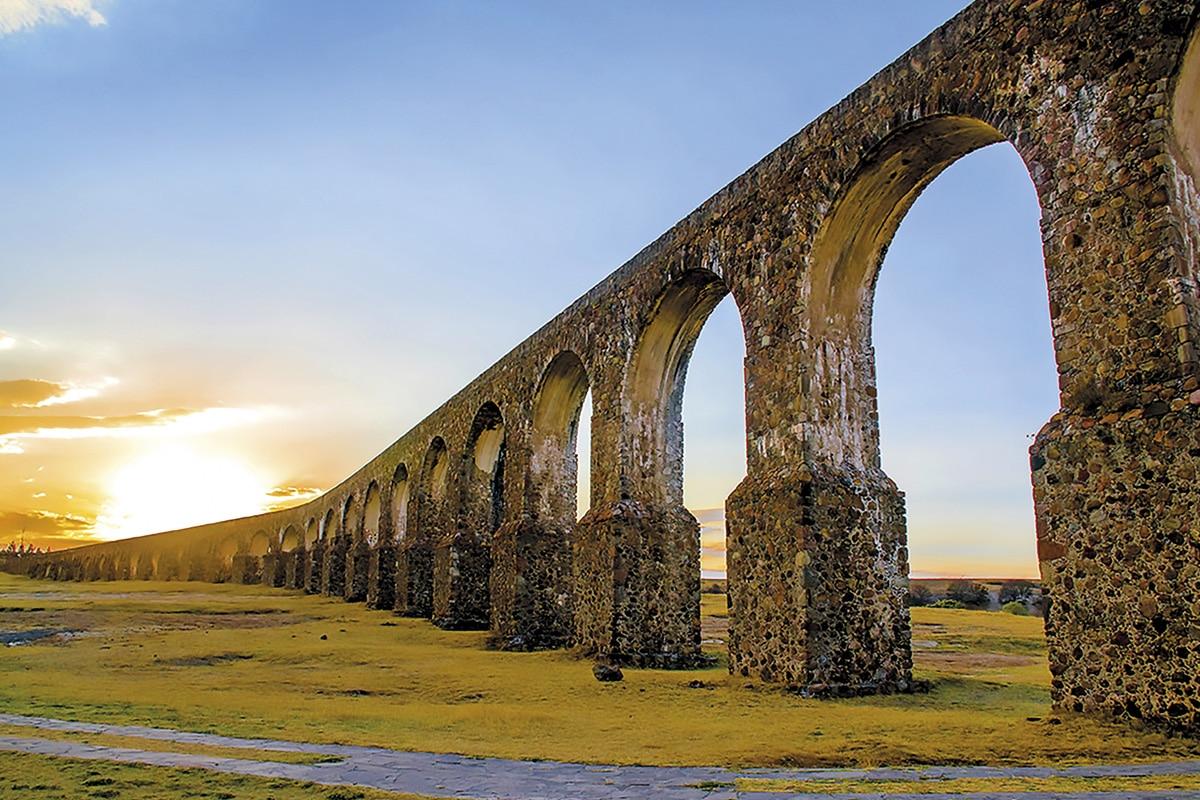 Tepotzotlán también es destacada por los Arcos del Sitio.