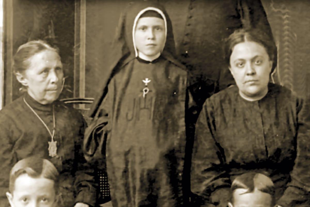 Concepción Cabrera dedicó su vida a las Obras. En la foto, religiosas de la Cruz.