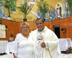 'Dios salvó a mi hijo porque lo quería como sacerdote'