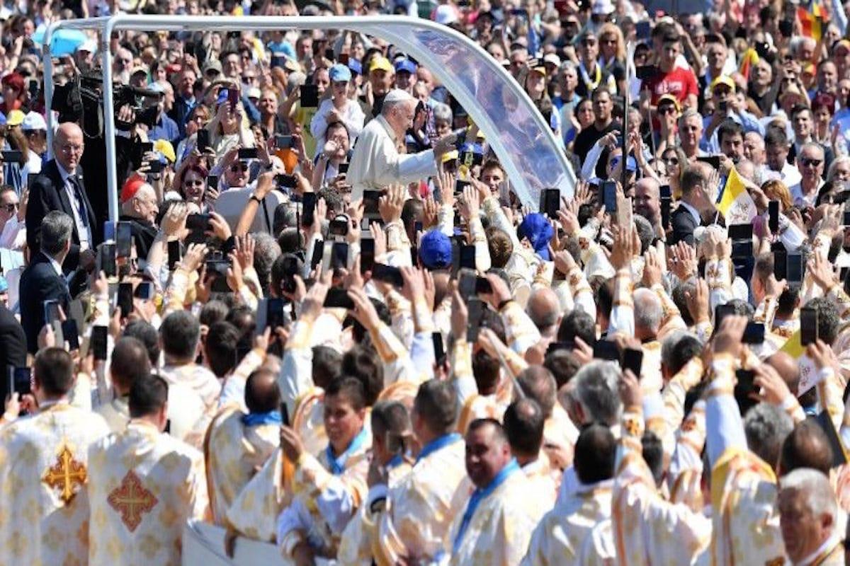 Papa beatifica a siete Obispos greco-católicos. Foto Vatican Media