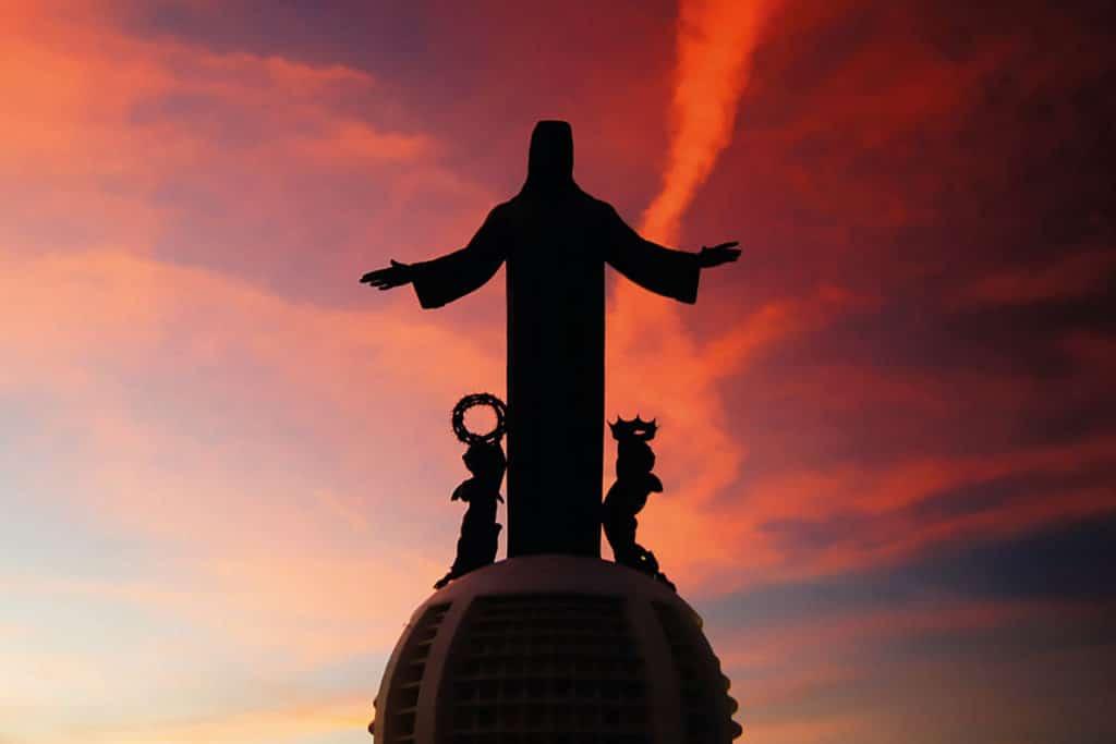 El Santuario de Cristo Rey, en el Cerro del Cubilete en Silao, Guanjuato.