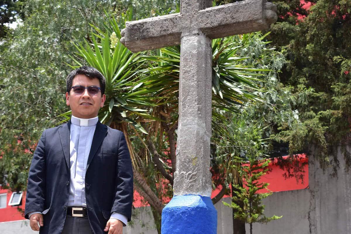 El padre Amado García, sacerdote de la Arquidiócesis Primada de México. Foto: Ricardo Sánchez/ Desde la fe.