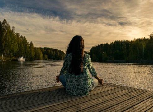 ¿Es cierto que la Iglesia católica prohíbe hacer yoga?