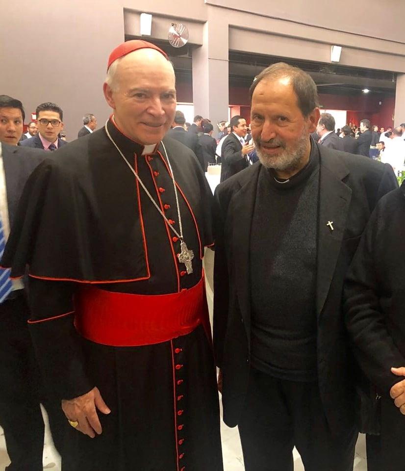 El padre Yaacoub con el Cardenal Carlos Aguiar.