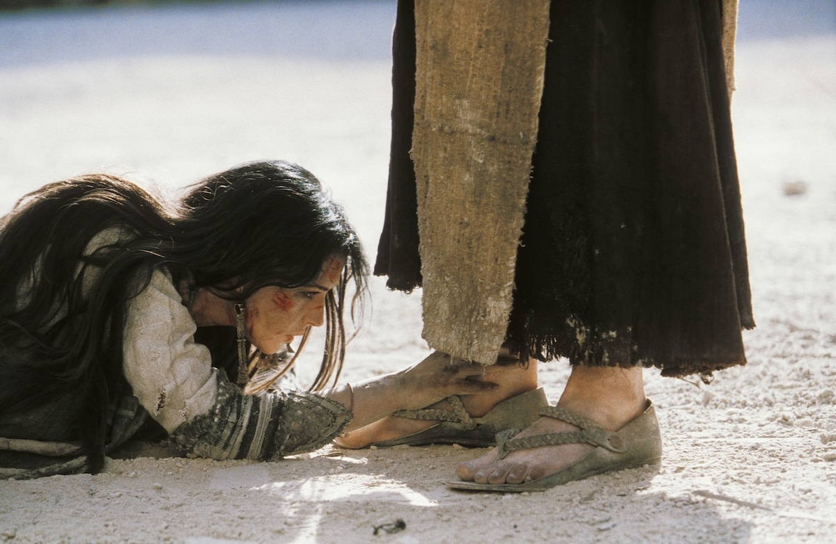 María Magdalena como es representada en la película La Pasión de Cristo.