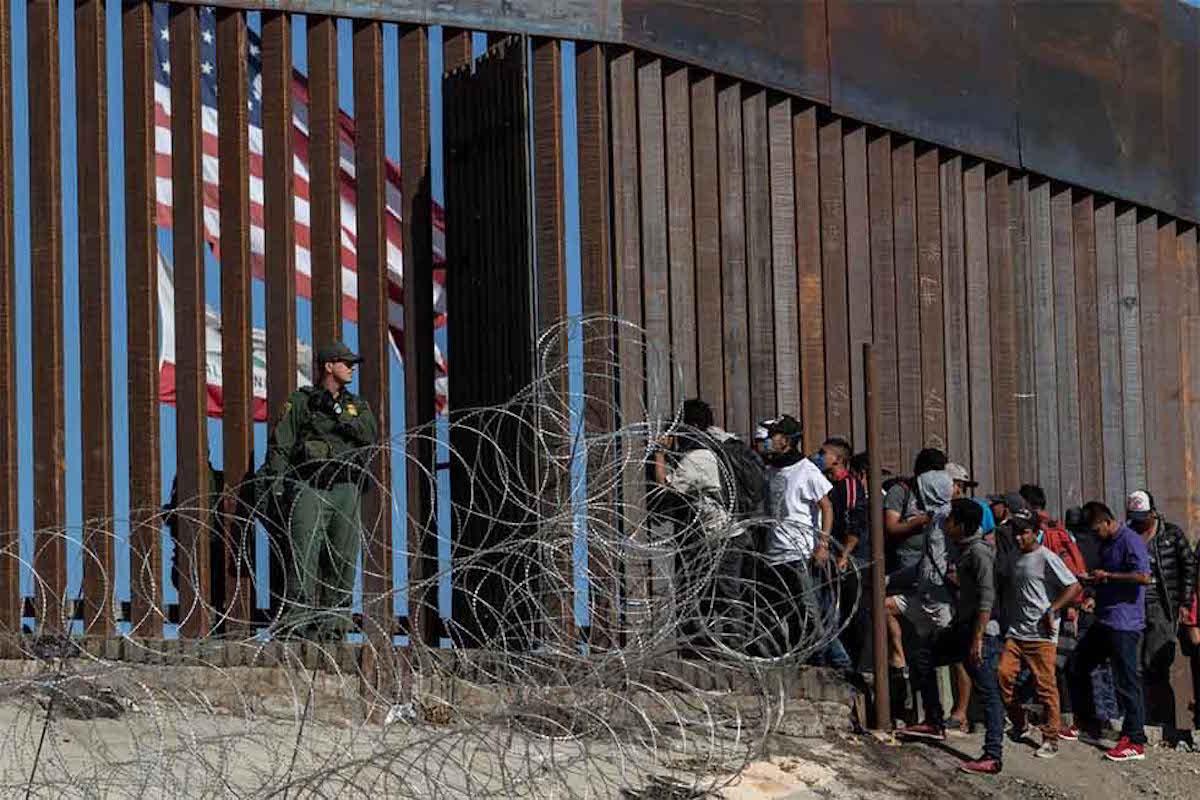 Migrantes en la frontera con Estados Unidos. Foto: New York Times