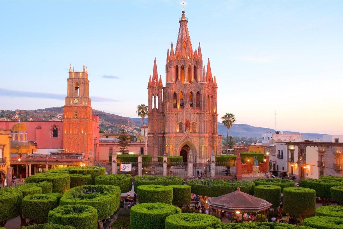 La Parroquia de San Miguel Arcángel en San Miguel de Allende.