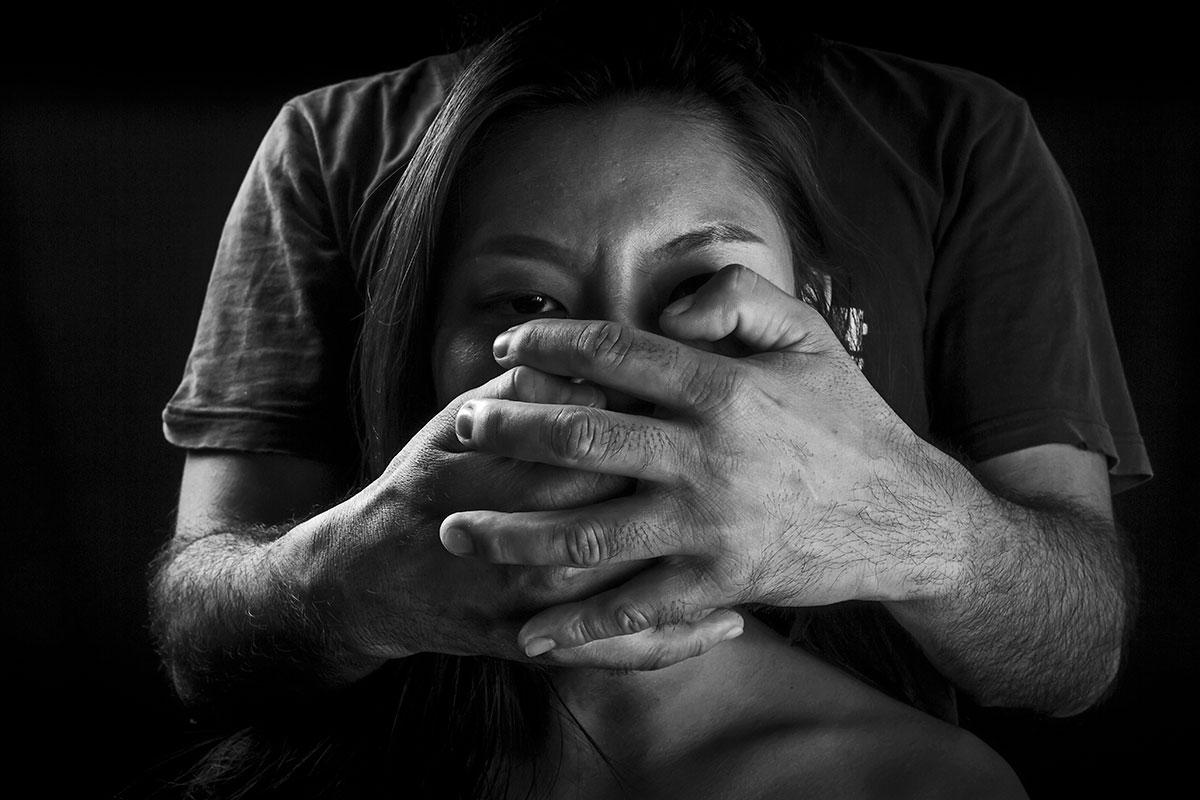 Las más vulnerables a ser víctimas de trata de personas son las mujeres jóvenes con problemas familiares.