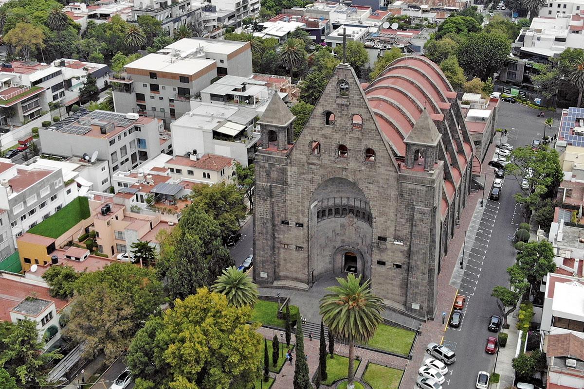vista aérea de la parroquia de san agustin