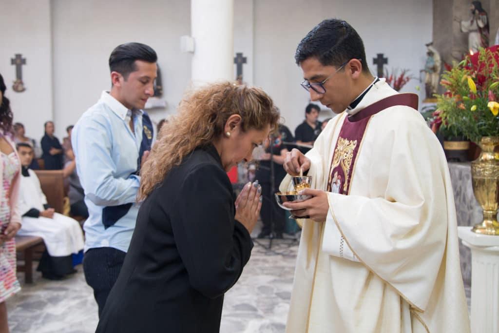 Comulgar es recibir a Jesús, que está realmente Presente en la Eucaristía. Foto: María Langarica