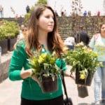"""Megamisión: Cuatro jóvenes ecologistas escuchan """"el clamor de la tierra"""""""