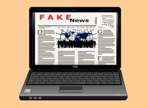 4 pasos para combatir y no caer en las fake news