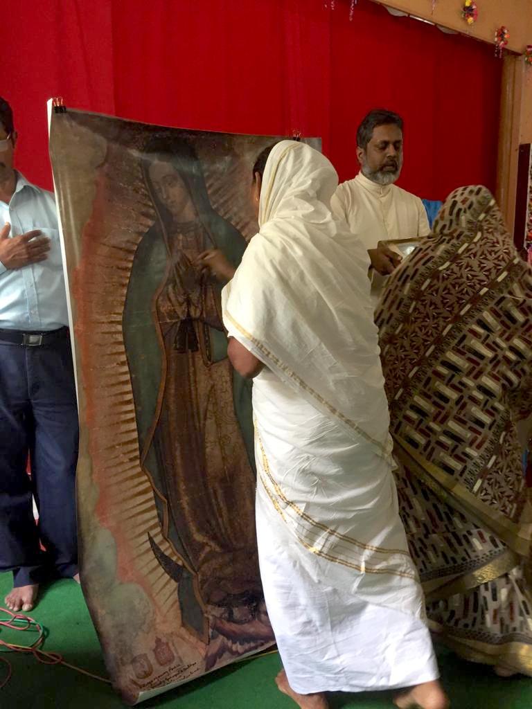 Una imagen de la Virgen de Guadalupe en la India.