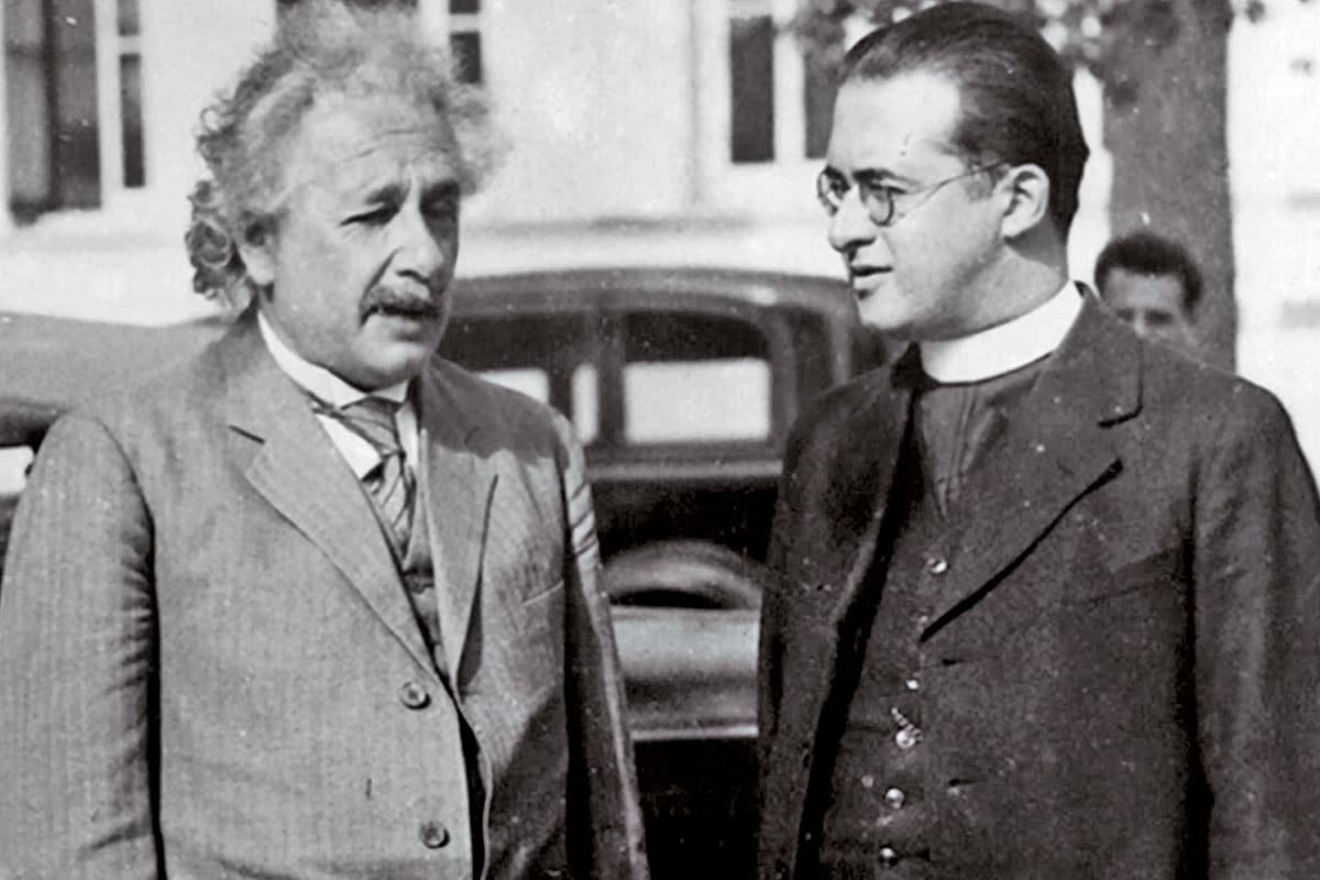 Albert Einstein con el sacerdote Georges Lemaître, teórico del Big Bang.