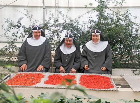 Celerina fue esposa, después madre y ahora es monja