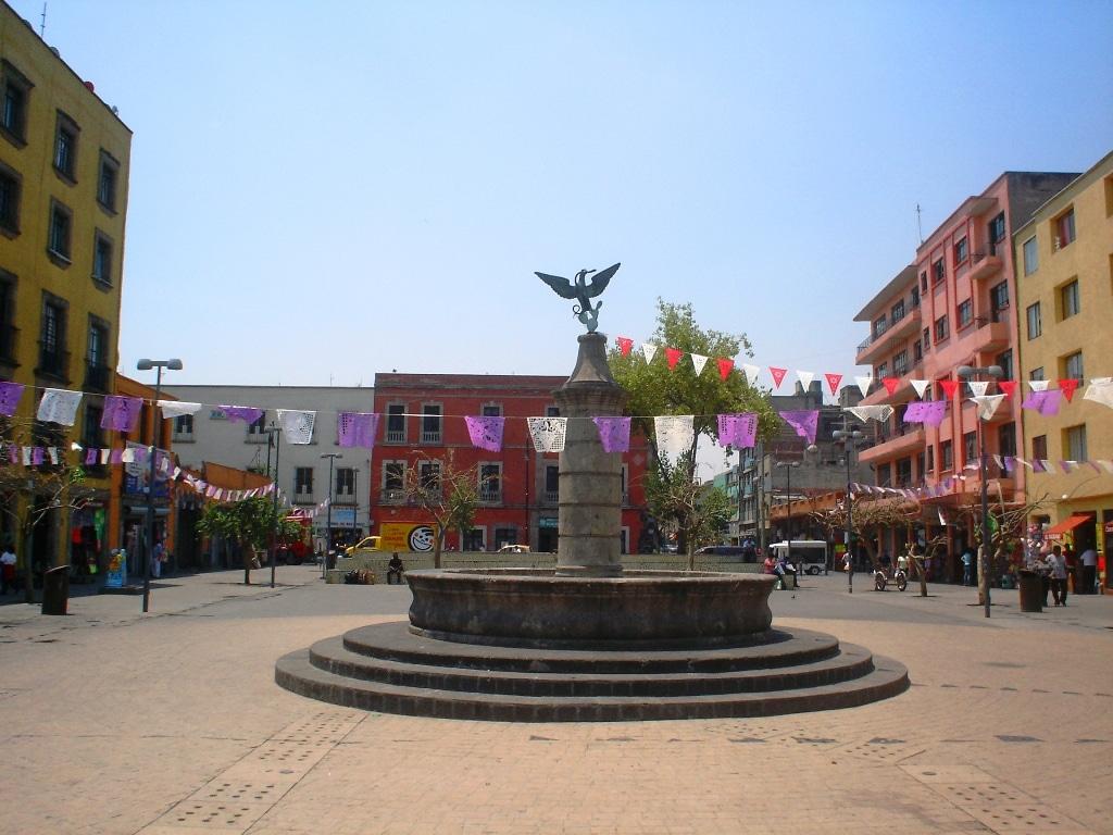 Plaza de la Aguilita en el barrio de la Merced.
