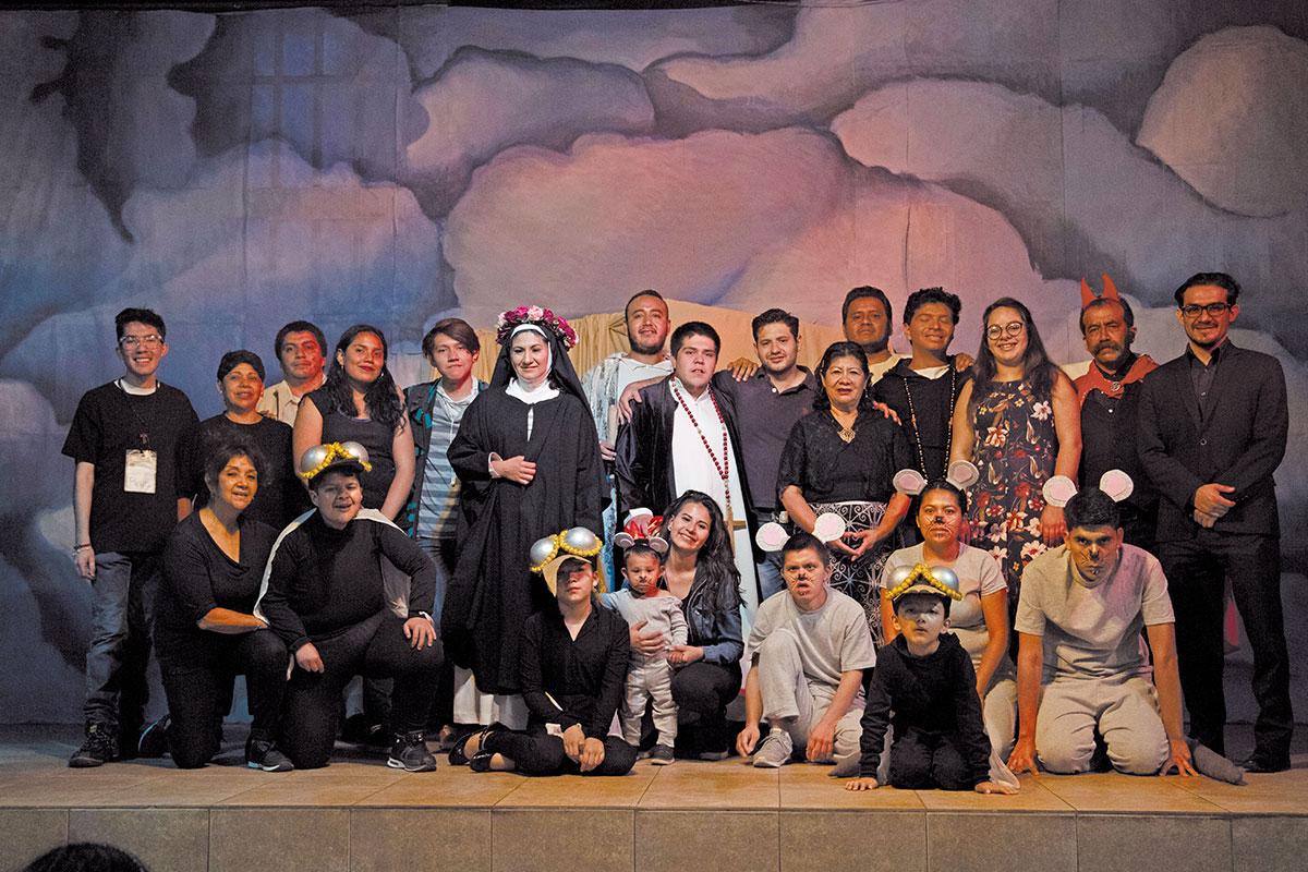 Grupo de teatro Karol Wojtyla. Foto: Ricardo Sánchez