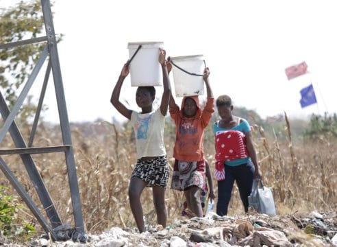 210 millones de niños sin agua potable