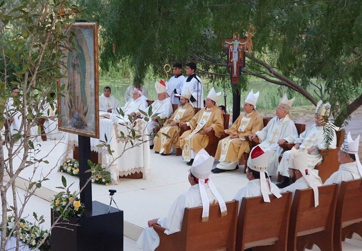 Los obispos de la frontera entre México y Estados Unidos durante una reunión. Foto: Vatican Media