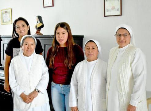 Esta comunidad ayuda a las mujeres a seguir sus estudios
