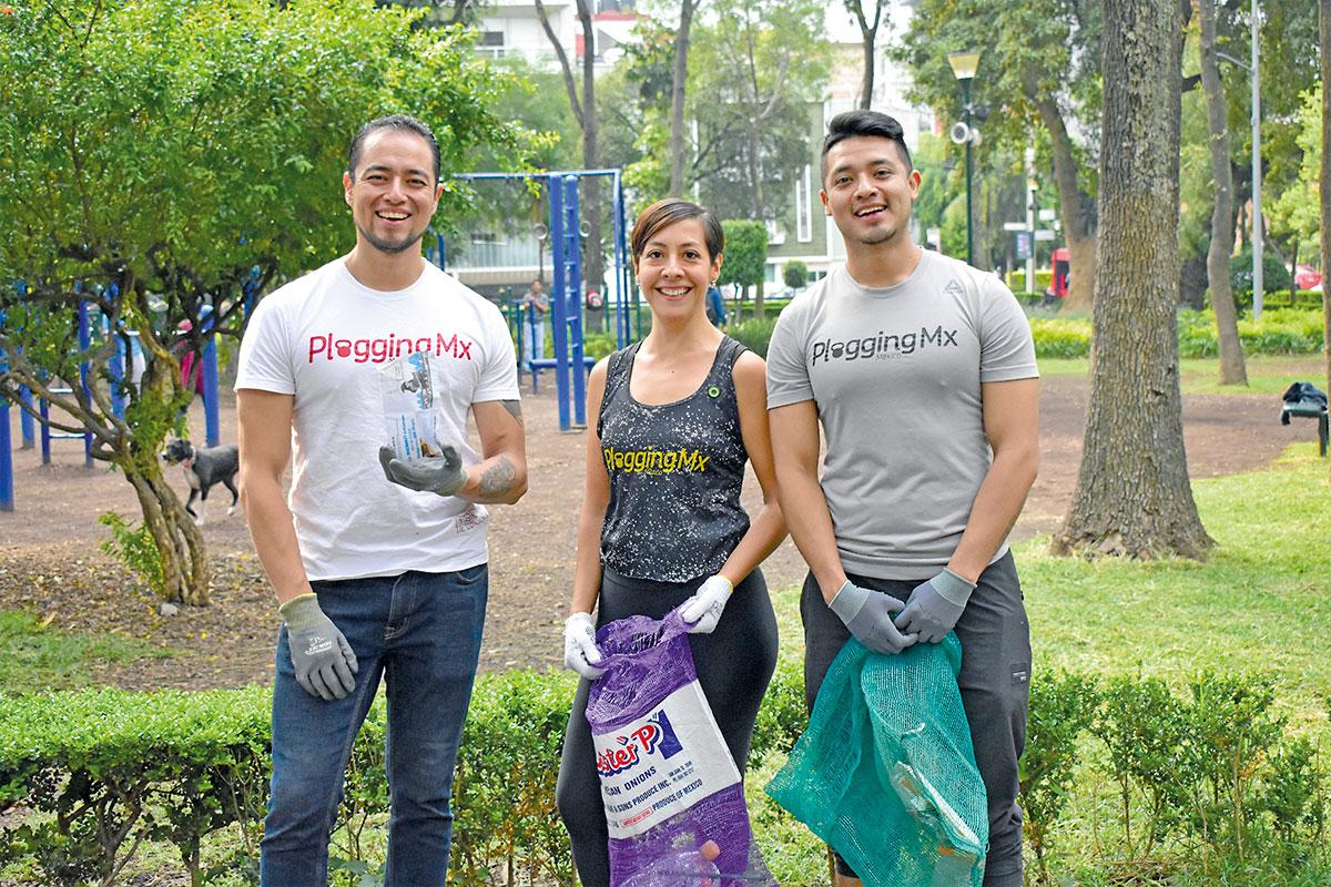 Deportistas cuidan el medio ambiente. Foto Melva Navarro