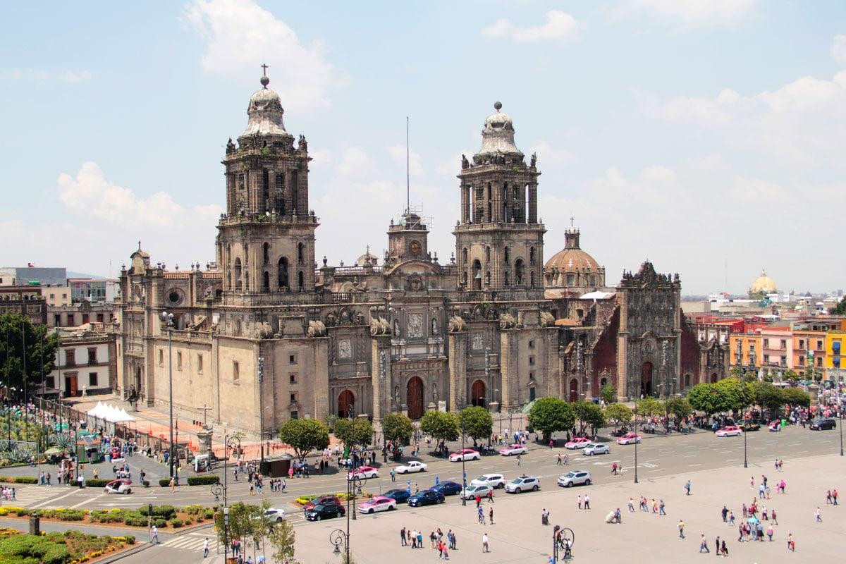 El nombre de la Catedral Metropolitana es tan largo como lo fue el tiempo de su construcción. Foto Ricardo Sánchez