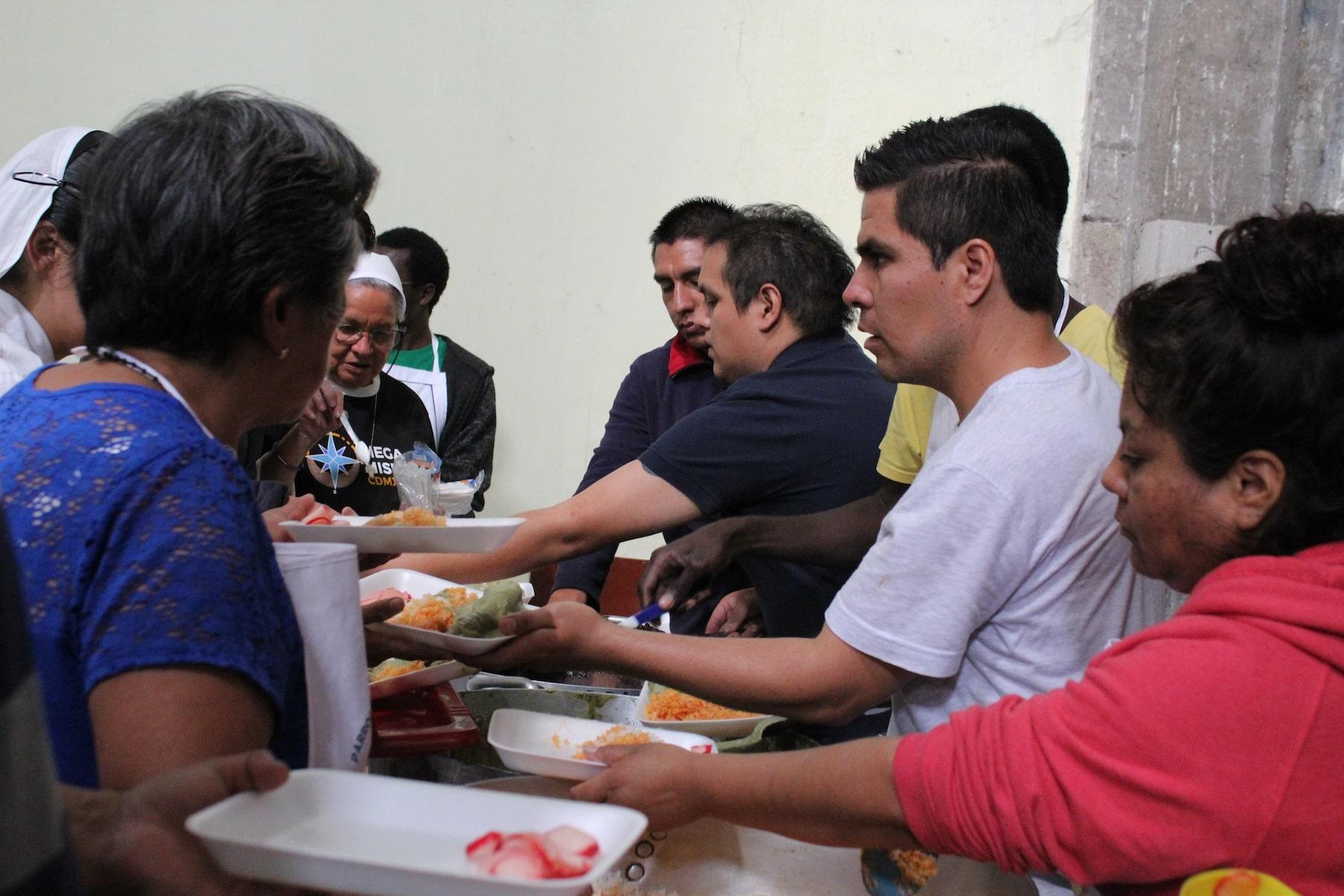 Megamisión visita a pobres