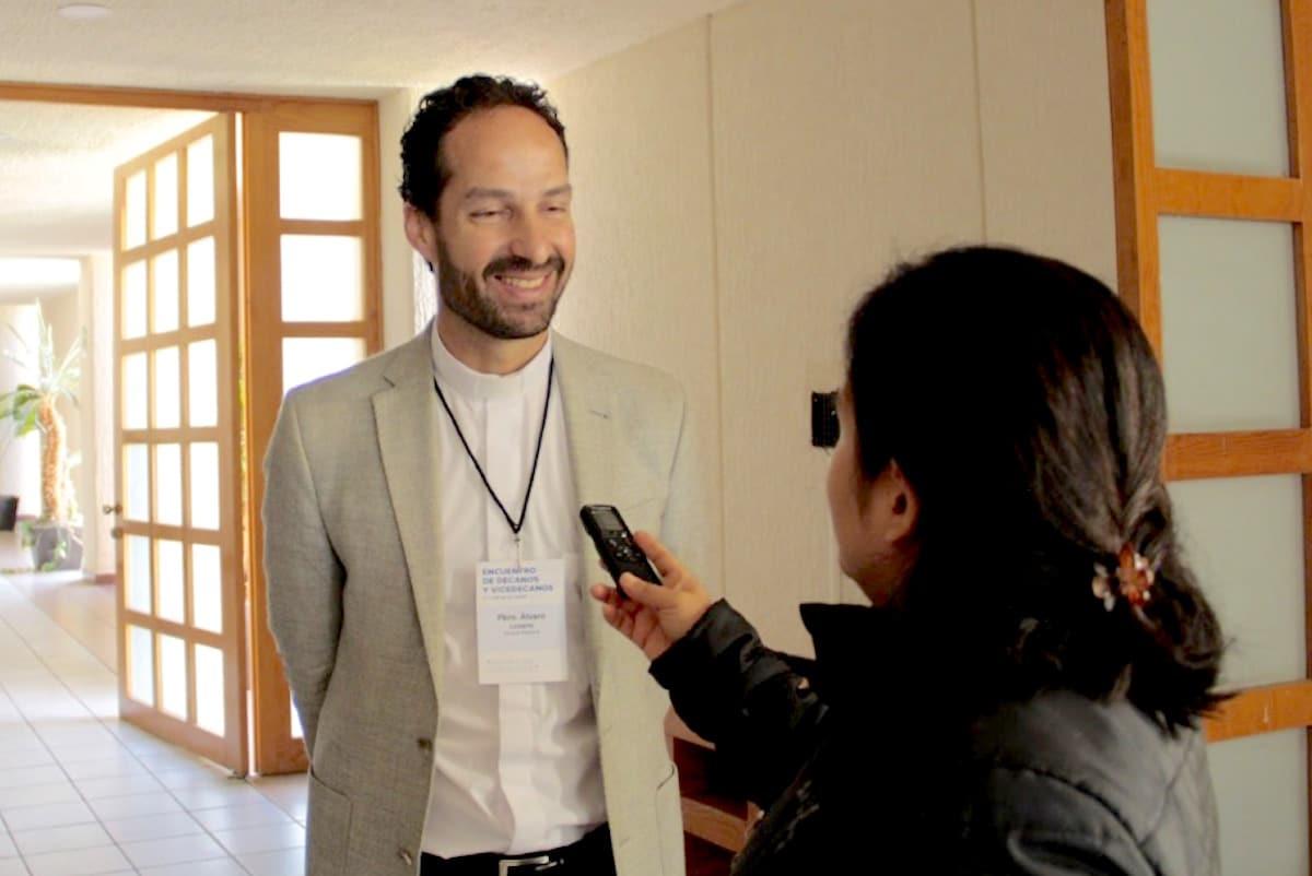 El padre Álvaro Lozano Platonoff. Foto: Vladimir Alcántara
