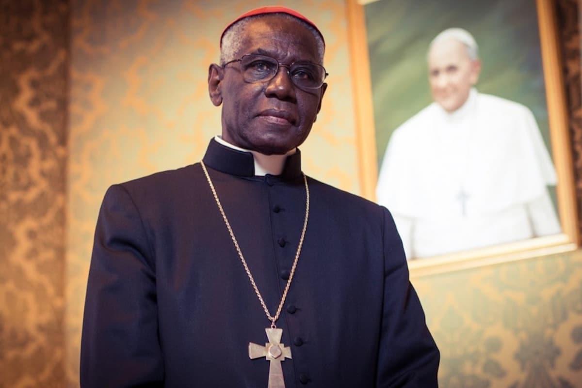 El Cardenal Robert Sarah.