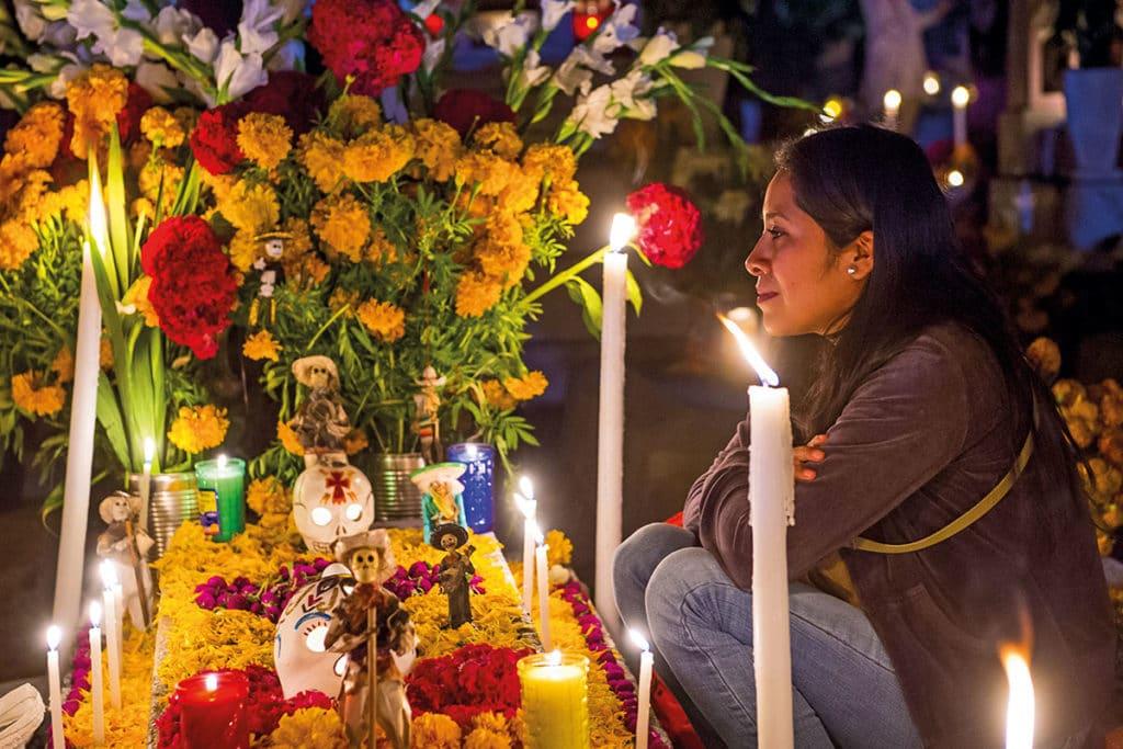 Los días 1 y 2 de noviembre, los católicos de todo el mundo recordamos y conmemoramos a Todos los Santos y a los Fieles Difuntos.
