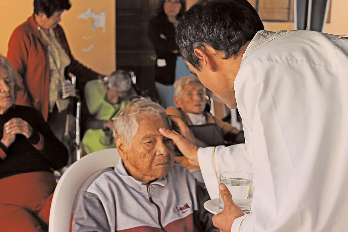 La Unción de los Enfermos es un sacramento de la Iglesia Católica.
