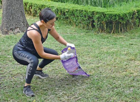 PloggingMx, los deportistas que recogen basura mientras entrenan